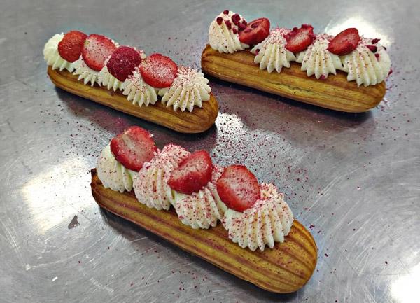 تزیین نان خامه ای فرانسوی