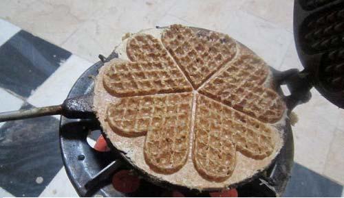 نان جو خانگی قلبی شکل