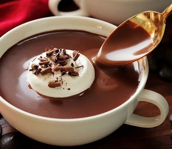 هات چاکلت با بستنی