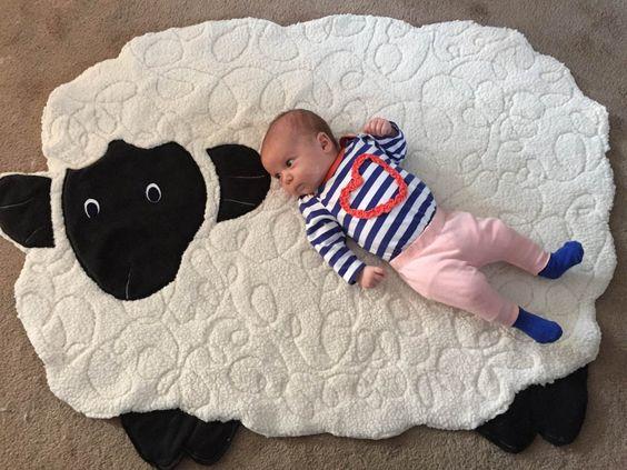 تشک بازی بچه مدل گوسفند سفید