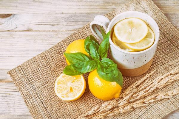 آب جوش و لیمو