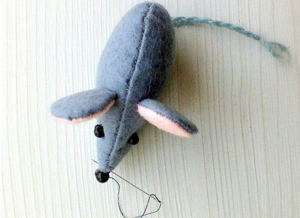 دوخت بینی موش