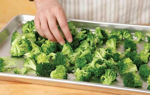فریز کردن سبزیجات تازه و کلم بروکلی
