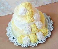 مدل تزیین پشمک یلدایی عروس شکل کیک دو طبقه