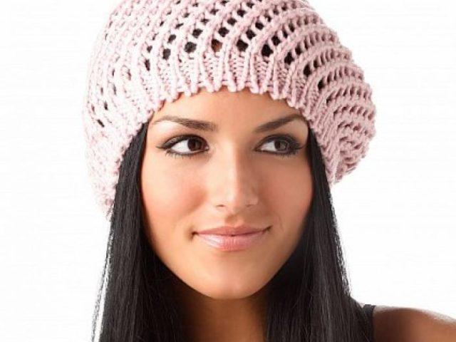 کلاه کج بافتنی تو صورتی