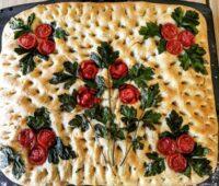تزیین نان فوکاچیا ایتالیایی