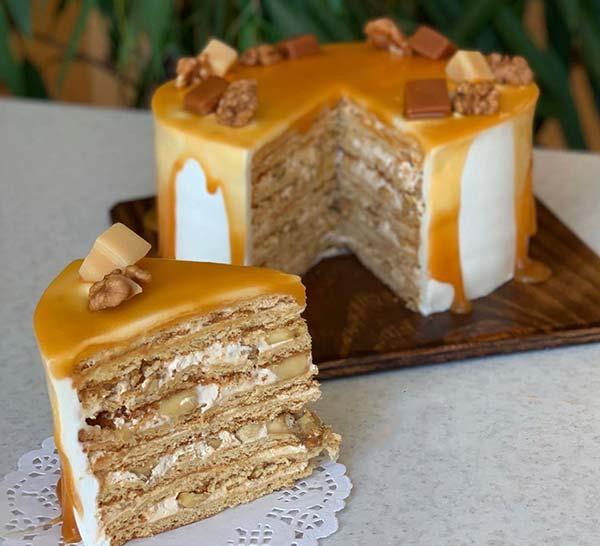کیک مدوویک رویه کاراملی