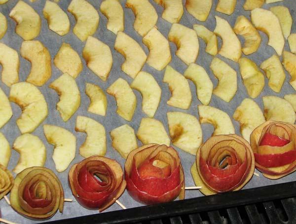 خشک کردن سیب در فر