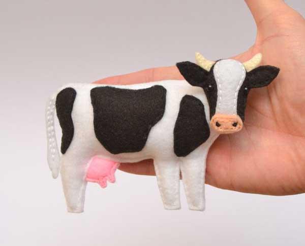 مدل عروسک گاو با نمد