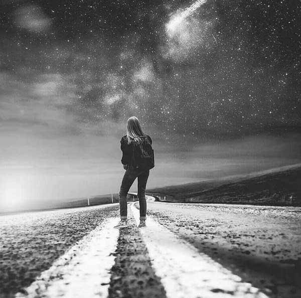 عکس پروفایل دختر تنها در جاده