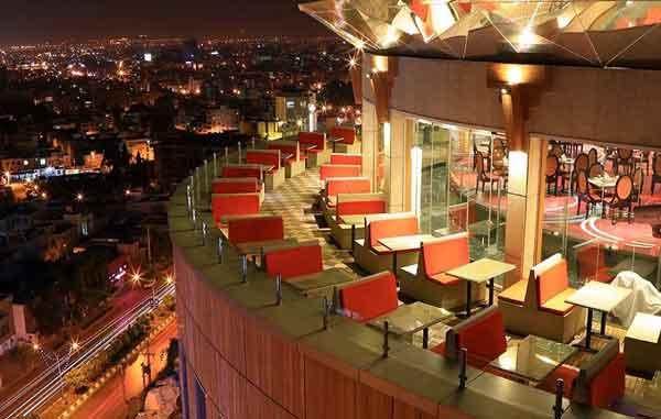 تراس هتل بزرگ شیراز