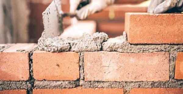 چیدن آجرهای دیوار
