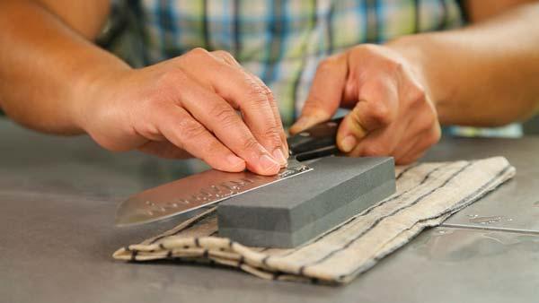 تیز کردن چاقو با سوهان