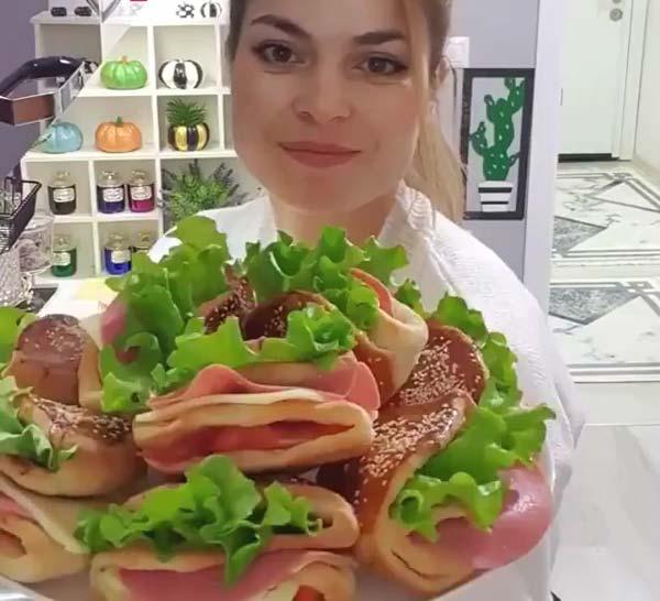 ساندویچ نان جیب دار