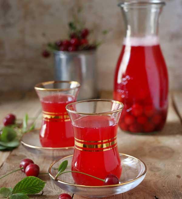 دمنوش چای آلبالو