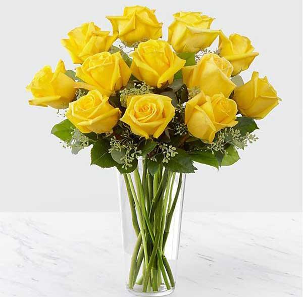 گلدان گل رز زرد