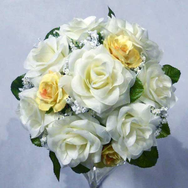 دسته گل رز سفید عروس