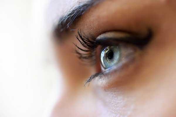 آموزش خط چشم برای پلک های افتاده