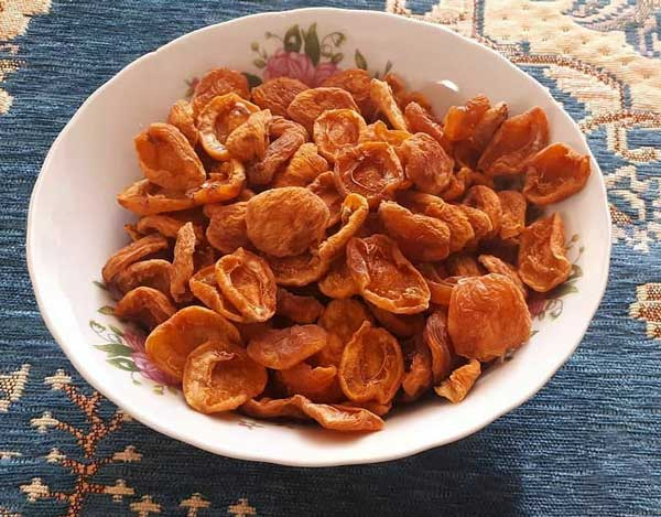 خشک کردن زردآلو - Dried Apricots